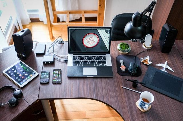 Rekomendasi Gadget sebagai Alat Tempur Work From Home